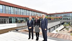 Allianz Kampüs'ün ilk ziyaretçisi Kocaoğlu oldu
