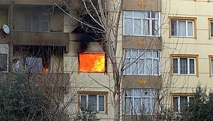 Kirayı isteyen ev sahibine kızıp daireyi ateşe verdi