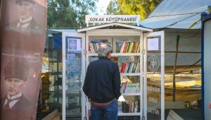 Buca'da 'sokak kütüphanesi'