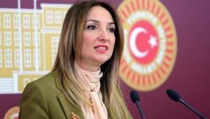 Aylin Nazlıaka CHP'ye dönüyor