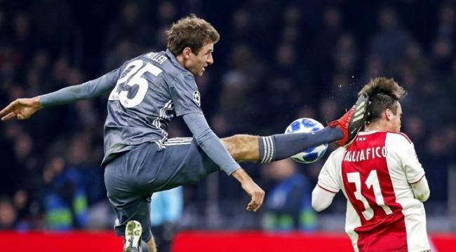 Müller'den insanlık suçu sayılacak faul!