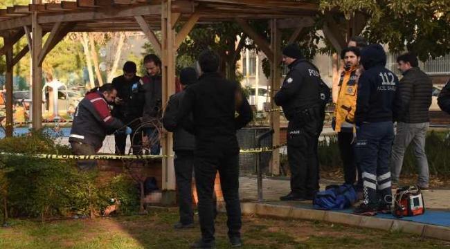 Konak'ta parkta ceset bulundu