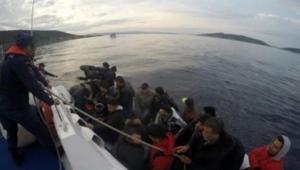 Çeşme'de 30 kaçak yakalandı