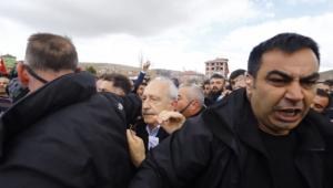 Kemal Kılıçdaroğlu'nun aracı, saldırı sonrası bu hale geldi