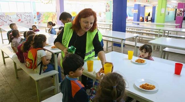İrlanda'dan İzmir'e uzanan yardım eli
