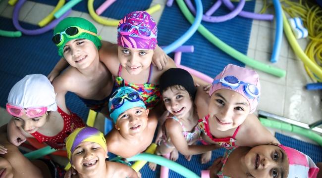 Buca'da çocuklara yüzme velilere pilates