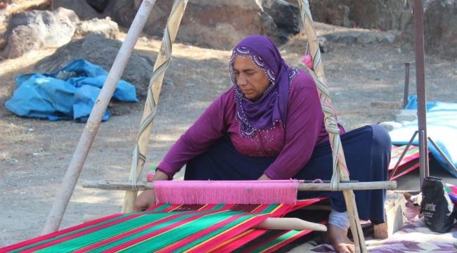 Kadifekale'de, kadınların dokuduğu ürünlere ilgi