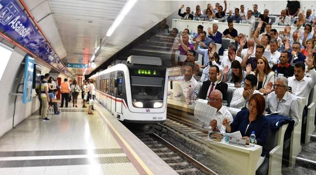 Meclis toplantısına Üçyol-Buca Metro Projesi damga vurdu
