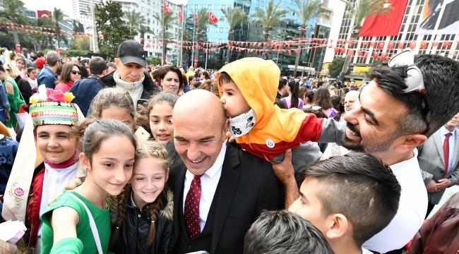 Tunç Soyer'den belediye personeline anlamlı mesaj