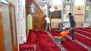 Narlıdere'de ibadethaneler bayrama hazır