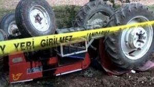 Tire'de devrilen traktördeki baba öldü, kızı yaralandı