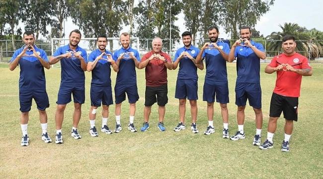İzmirspor, kadrosuna işitme engelli 5 futbolcu kattı