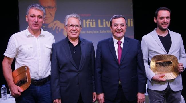 Konak'ta Livaneli'ye yoğun ilgi