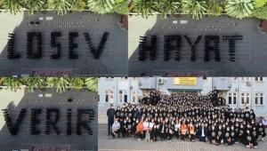 450 öğrenci bir araya geldi,