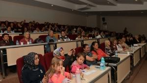 "Çiğli'de ""Mutlu Aile Mutlu Çocuk"" semineri"