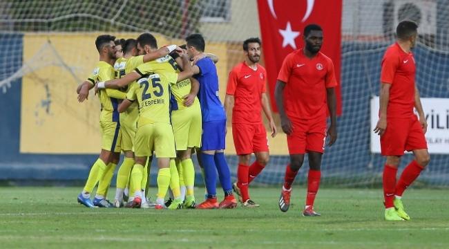 Menemenspor, İstanbul'dan 3 puanla döndü