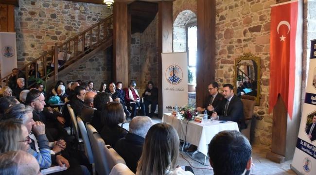 """""""Kriz ve Yerel Yönetimler"""" Dikili'de konuşuldu"""