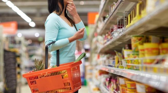 Vatandaş alışverişi ucuza getirmek için market market dolaşıyor