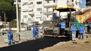 Narlıdere'de yol çalışmaları devam ediyor