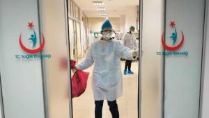İzmir'de 357 sağlık çalışanında koronavirüs tespit edildi