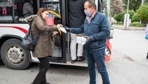 Toplu ulaşımda ücretsiz maske desteği: 100 bin maske dağıtıldı