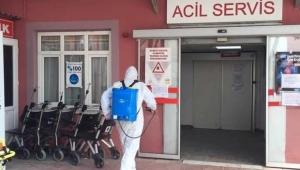 Çok sayıda sağlık emekçisi koronavirüse yakalandı: Servisler kapatıldı