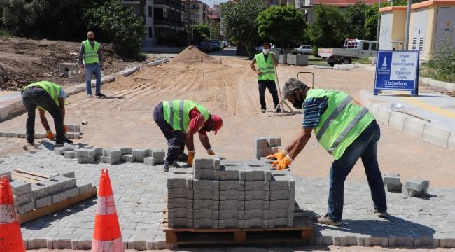 İzmir'de üç ayda 40 futbol sahası büyüklüğünde alan parke kaplandı