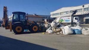 Çiğli Ata Sanayi Sitesi'nde 100 ton atık ve moloz toplandı