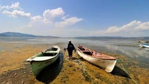 Manisa'daki Marmara Gölü'nde kuraklık tehlikesi