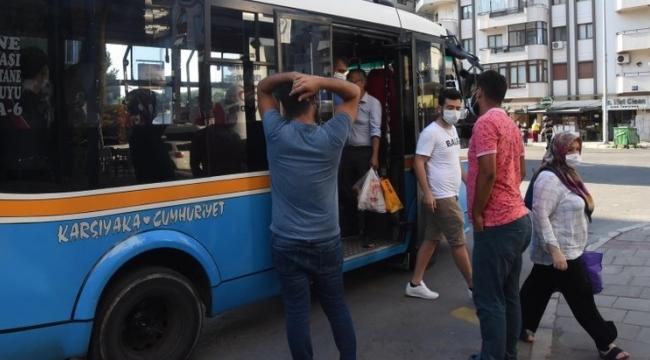 İzmir'de, minibüslerde balık istifi yolculuk