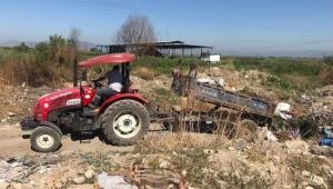 Aydın'da AKP'li belediye çöpleri ilçenin girişine döktü