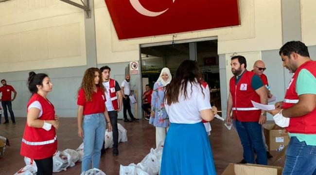 Halkın Kızılay'a verdiğini, Kızılay AKP'ye verdi