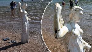 Kızkumu'nun 'prenses' heykelini 'küllük' olarak kullandılar!
