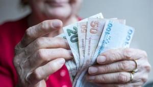 Emeklilerin yarısı asgari ücretin altında maaş alıyor