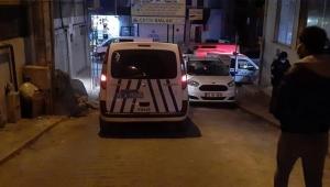 İzmir'de bir erkek, küfürlü konuştuğu için kendisini uyaran genci öldürdü