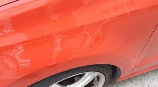 İzmir'de otomobil ve elektrikli skotera zarar veren şüpheli yakalandı