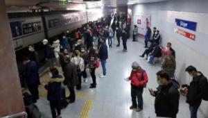 İzmir'de intihar girişimi! 26 yaşındaki kadın trenin önüne atladı