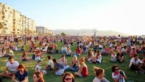 Türkiye'nin 2020 yılı nüfusu açıklandı! İzmir'in nüfusu 27 bin 443 kişi arttı