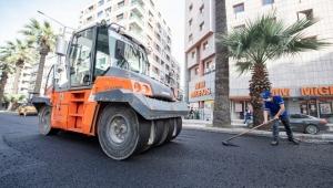 İzmir'de yolların bakım ve asfalt çalışmaları hızlandı