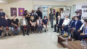 CHP'den HDP İzmir İl Binasına ziyaret