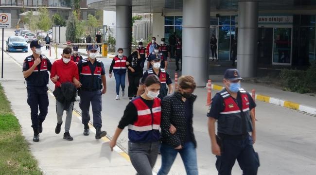 İzmir'de uyuşturucu operasyonu: Doktor ve eczacılara gözaltı