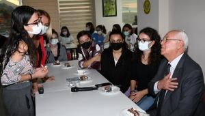 Öğrencilerden Başkan Selvitopu'na yurt teşekkürü